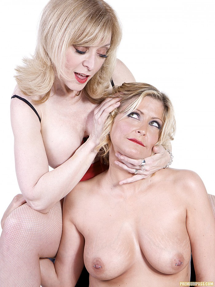 Nina Hartley Posing