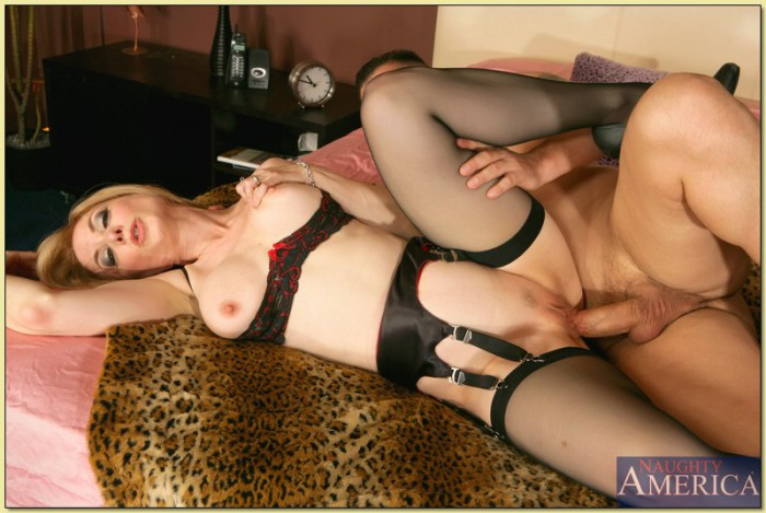 Nina Hartley Open Legs